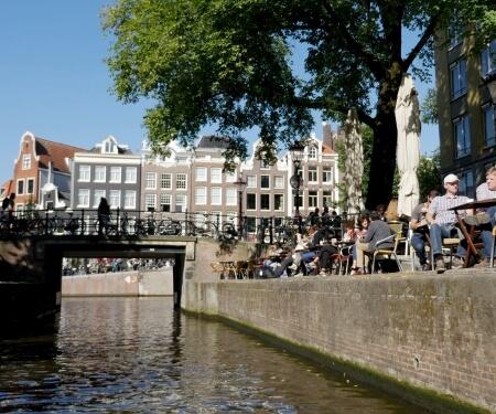 Hire a boat in Amsterdam