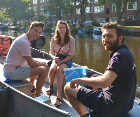 Renting a boat in Amsterdam